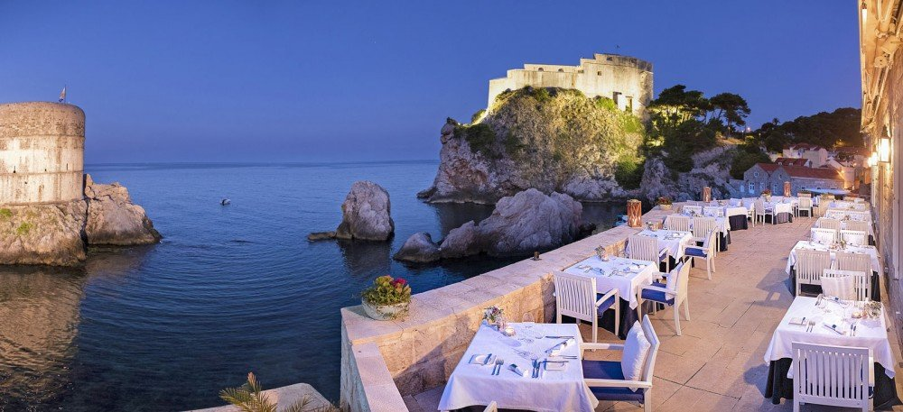 Romantic Restaurants in Grece